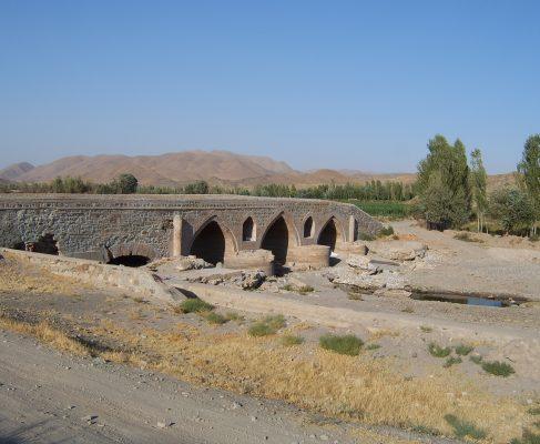 مرمّت پل روستای قلی کندی ملکان